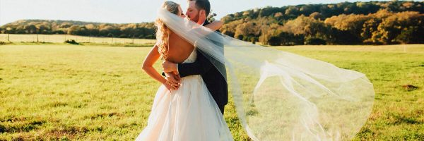 Catering to Brides & Grooms